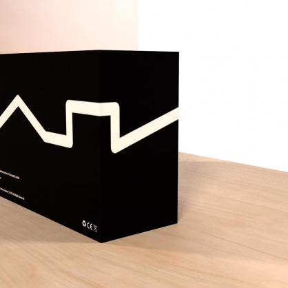 Nyx-packaging-view-3